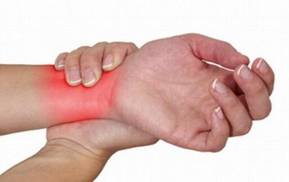 Viêm khớp cổ tay có thể gặp ở mọi lứa tuổi