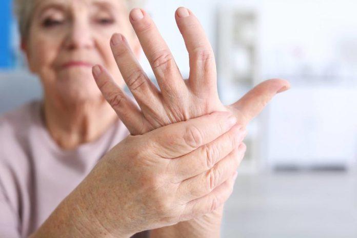 Viêm đa khớp gây biến chứng tại khớp và các cơ quan khác