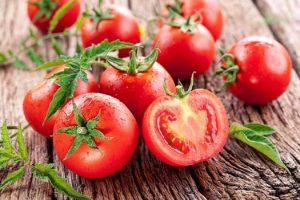 [Lời khuyên đến từ chuyên gia] Đau xương khớp nên ăn gì? Cà chua