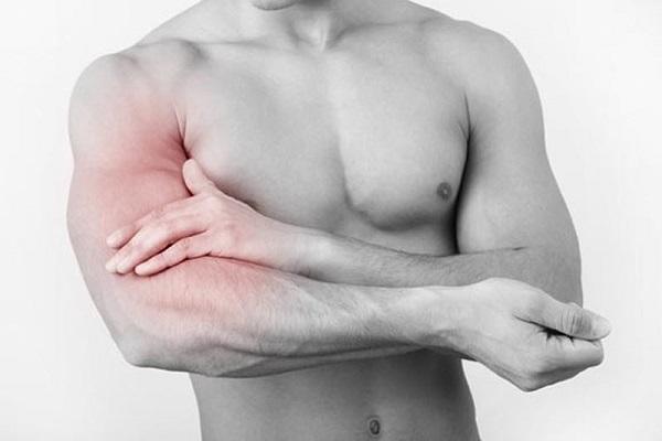 Đau nhức trong xương cánh tay nhất định không được chủ quan!
